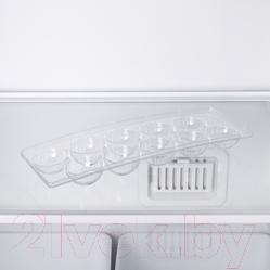 Холодильник с морозильником Indesit DF 4180 E