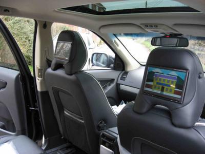 Автомобильный ЖК-монитор Alpine TME-M680 - в машине