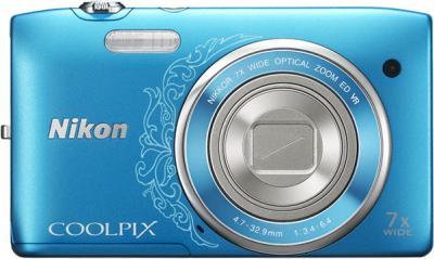 Компактный фотоаппарат Nikon Coolpix S3500 Blue Patterned - вид спереди с закрытым объективом