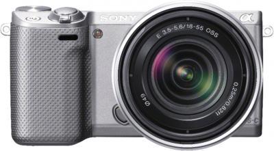 Беззеркальный фотоаппарат Sony NEX-5RYS - вид спереди