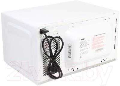 Микроволновая печь BBK 20MWS-711M/WS - вид сзади