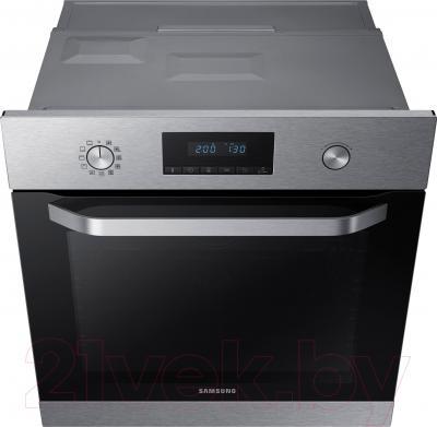 Электрический духовой шкаф Samsung NV70K3370BS/WT