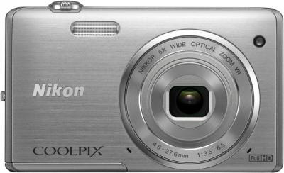 Компактный фотоаппарат Nikon Coolpix S5200 Silver - вид спереди