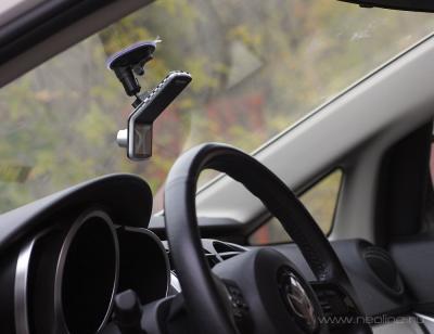 Автомобильный видеорегистратор NeoLine Mobile-i N7 - вид в автомобиле