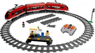 Конструктор Lego City Пассажирский поезд (7938) - общий вид