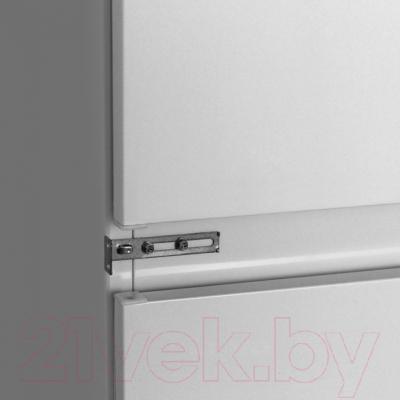 Холодильник с морозильником Electrolux ENN92800AW