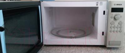 Микроволновая печь Bosch HMT84M451 - с открытой дверцей 2
