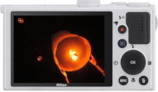 Компактный фотоаппарат Nikon Coolpix P330 White - вид сзади