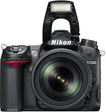 Зеркальный фотоаппарат Nikon D7000 Kit 18-55mm VR - общий вид