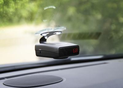 Радар-детектор NeoLine X-COP 7000 - на стекле в автомобиле