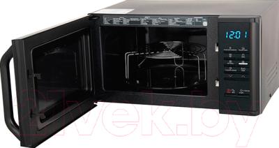 Микроволновая печь Samsung MG23K3513AK - с открытой дверцей