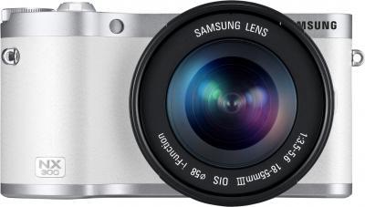 Беззеркальный фотоаппарат Samsung NX300 Kit 18-55mm White-Silver (EV-NX300ZBQURU) - вид спереди