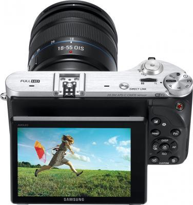 Беззеркальный фотоаппарат Samsung NX300 Kit 18-55mm Black-Silver (EV-NX300ZBSTRU) - общий вид