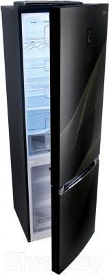Холодильник с морозильником LG GA-B489TGKR - с полуоткрытой дверцей