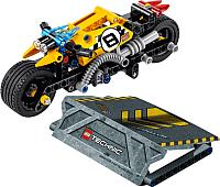 Конструктор Lego Technic Мотоцикл для трюков 42058 -