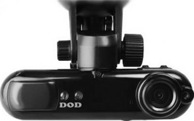 Автомобильный видеорегистратор DOD GS300 - фронтальный вид