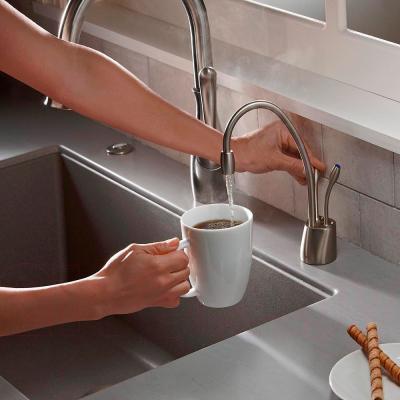 Система мгновенного кипячения воды InSinkErator AquaHot F-HC1100C (хром) - в рабочем виде