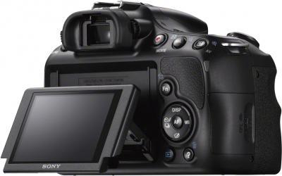 Зеркальный фотоаппарат Sony SLT-A58M Kit 18-135mm - поворотный экран