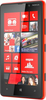 Смартфон Nokia Lumia 820 Red - вполоборота