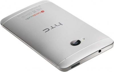 Смартфон HTC One Silver - вид лежа