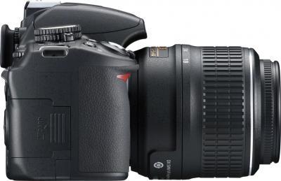 Зеркальный фотоаппарат Nikon D3100 Kit 18-55mm II - вид сбоку
