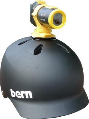 Экшн-камера Oregon Scientific ATC9K - крепление на шлеме
