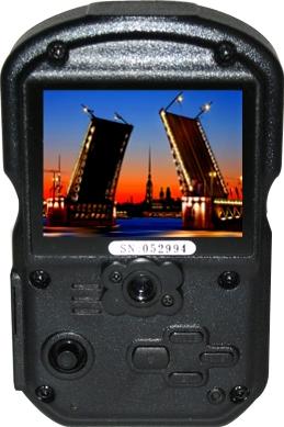 Автомобильный видеорегистратор КАРКАМ Q4 - дисплей