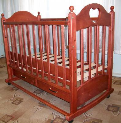 Детская кроватка РИО Джулия с сердечком (Вишня) - в интерьере