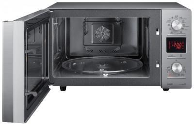 Микроволновая печь Samsung CE117PAERX - с открытой дверцей