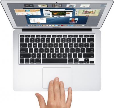 """Ноутбук Apple MacBook Air 13"""" (MD760RS/A) - вид сверху"""