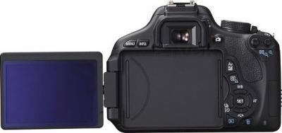 Зеркальный фотоаппарат Canon EOS 600D Kit 18-55mm III DC - вид сзади: поворотный дисплей
