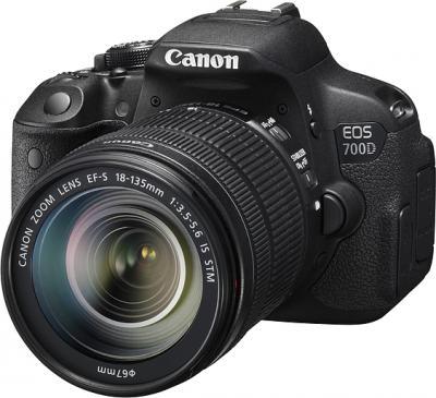 Зеркальный фотоаппарат Canon EOS 700D Kit 18-135 STM - общий вид