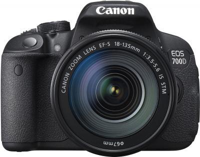 Зеркальный фотоаппарат Canon EOS 700D Kit 18-135 STM - вид спереди