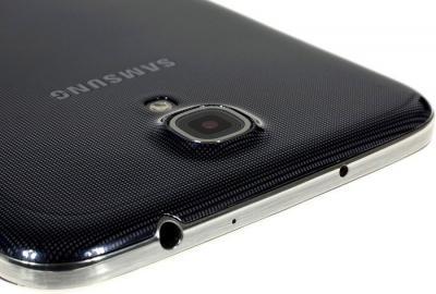 Смартфон Samsung I9200 Galaxy Mega 6.3 16Gb Black (GT-I9200 ZKASER) - камера и разъем 3.5мм
