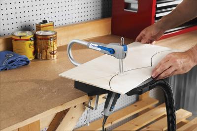 Электролобзик Dremel Moto-Saw (MS20-1/5) (F.013.MS2.0JA) - в работе
