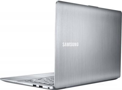 Ноутбук Samsung ATIV Book 7 (NP730U3E-K02RU) - вид сзади