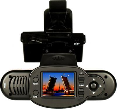 Автомобильный видеорегистратор КАРКАМ QX3 Neo - дисплей