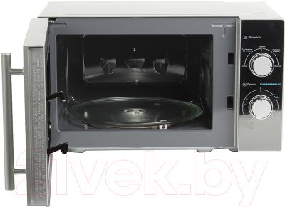 Микроволновая печь Midea MM720CMF - с открытой дверцей