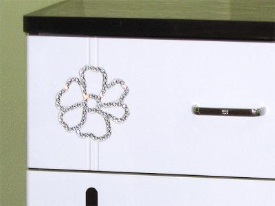 Комод Королевство сна Paola-001 (белый глянец с венге) - цветок