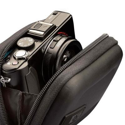 Сумка для фотоаппарата Case Logic EHC-101K - с растегнутой молнией