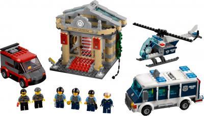 Конструктор Lego City Ограбление музея (60008) - общий вид