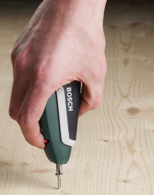 Отвертка Bosch 2.607.017.180 - в работе