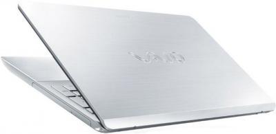 Ноутбук Sony Vaio SVF15A1Z2RS - вид сзади