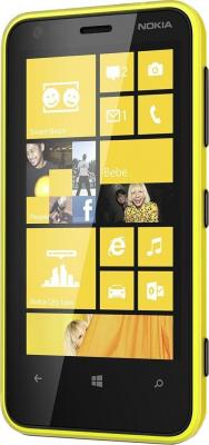 Смартфон Nokia Lumia 620 Yellow - вполоборота