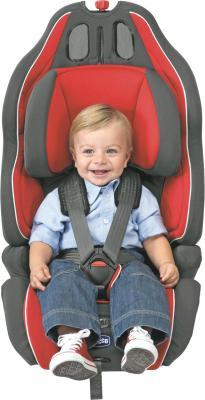 Автокресло Chicco Neptune (Red) - ребенок в кресле