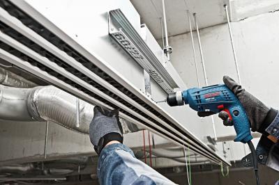 Профессиональная дрель Bosch GBM 6 RE Professional (0.601.472.600) - в работе