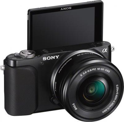 Беззеркальный фотоаппарат Sony NEX-3NL (Black) - общий вид с повернутым дисплеем