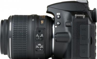 Зеркальный фотоаппарат Nikon D3200 (Kit 18-55mm VR + 55-300mm VR) - вид сбоку