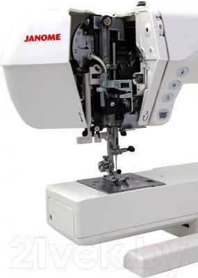 Швейная машина Janome DC4050 - рабочая зона, открытый механизм
