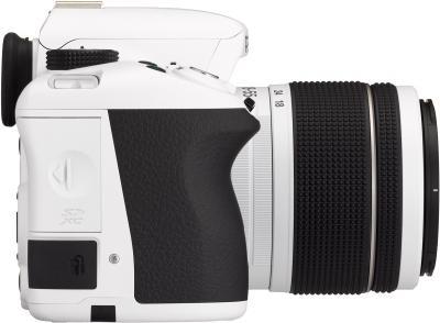 Зеркальный фотоаппарат Pentax K-50 Kit (DA L 18-55mm WR, белый) - вид сбоку